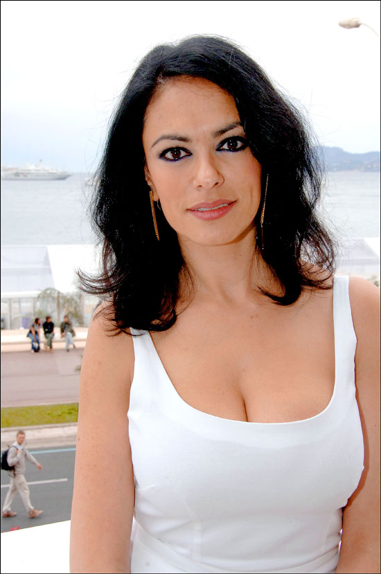 Cannes Maria Grazia Cucinotta Posing on terrace