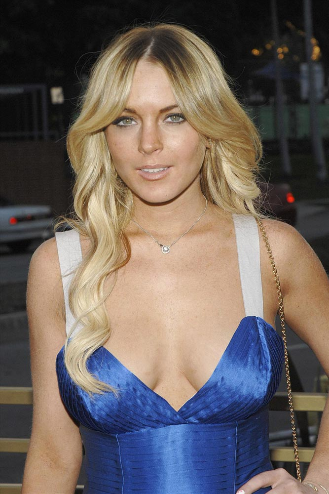 Lindsay lohan boob pop know site
