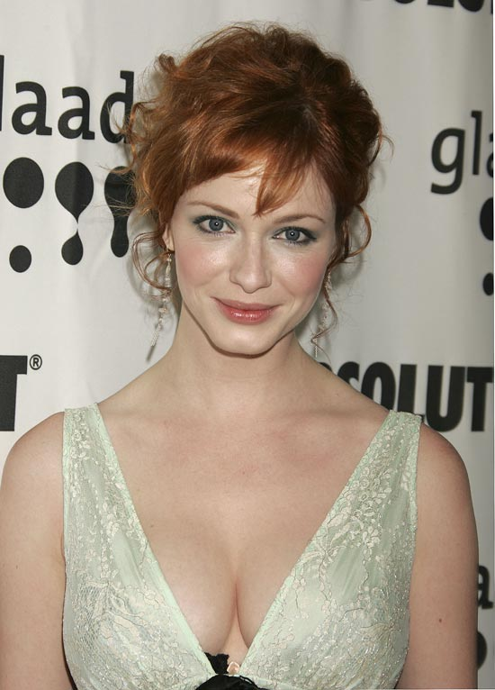 Busty natural boobs Christina Hendricks is so proud of her big tits