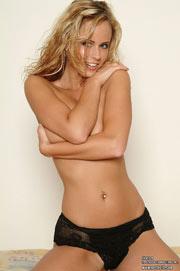 Amazing Zuzanna Drabinova in black underwear