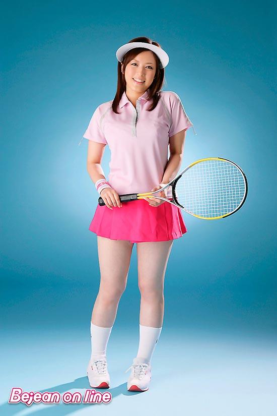 Busty cutie Meisa Hanai in Tennis love